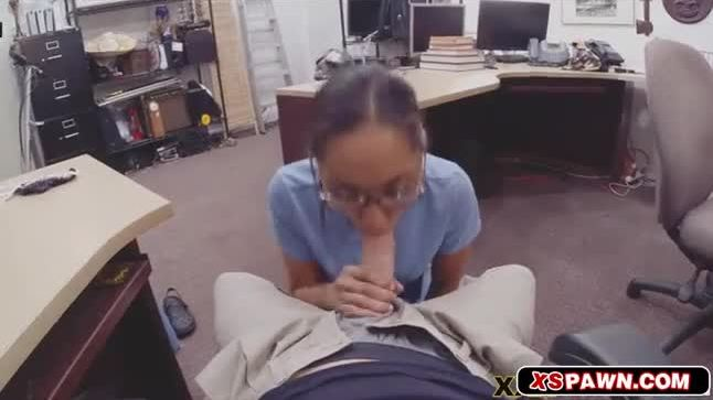 Hottie chick will do anything for cash