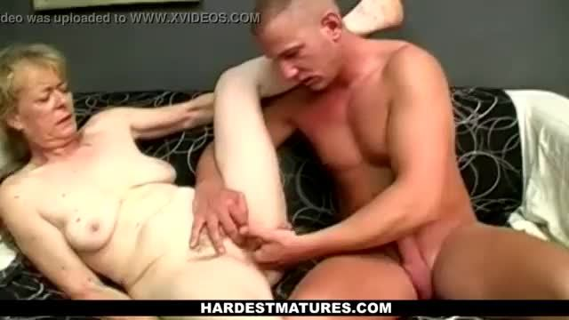 Ben finger fucks hairy mature gall