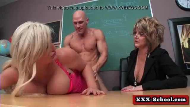 Busty schoolgirl gives pleasure in classrooml01
